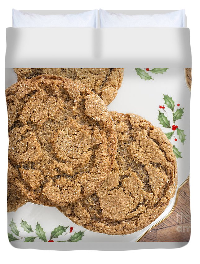Christmas Duvet Cover featuring the photograph Christmas Gingerbread Cookies by Edward Fielding