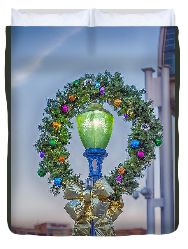 Long Beach Duvet Cover featuring the photograph Christmas Holiday Wreath With Balls by David Zanzinger