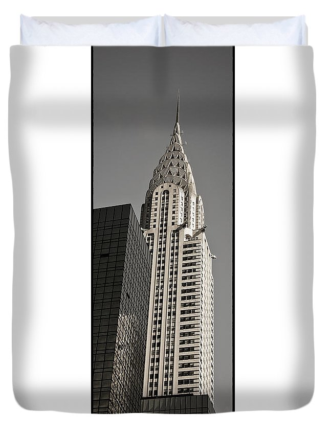 Chrysler Buidling Duvet Cover featuring the photograph Chrysler Building New York by Juergen Held