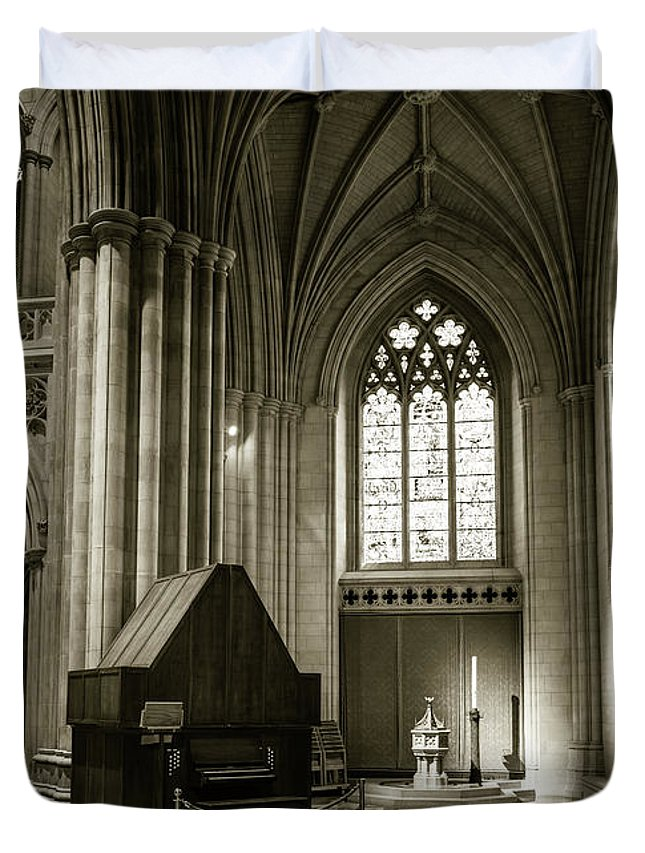 National Cathedral Duvet Cover featuring the photograph Churchy by Jared Skarda
