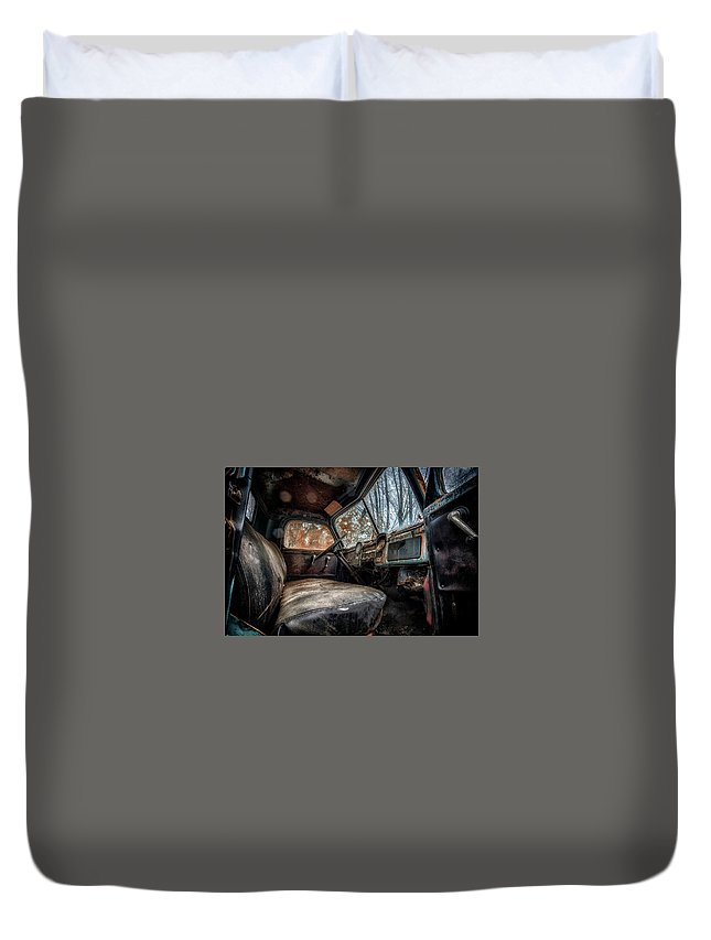 Blue And Orange Duvet Cover featuring the photograph Cinamatic Truck by Jim Erickson