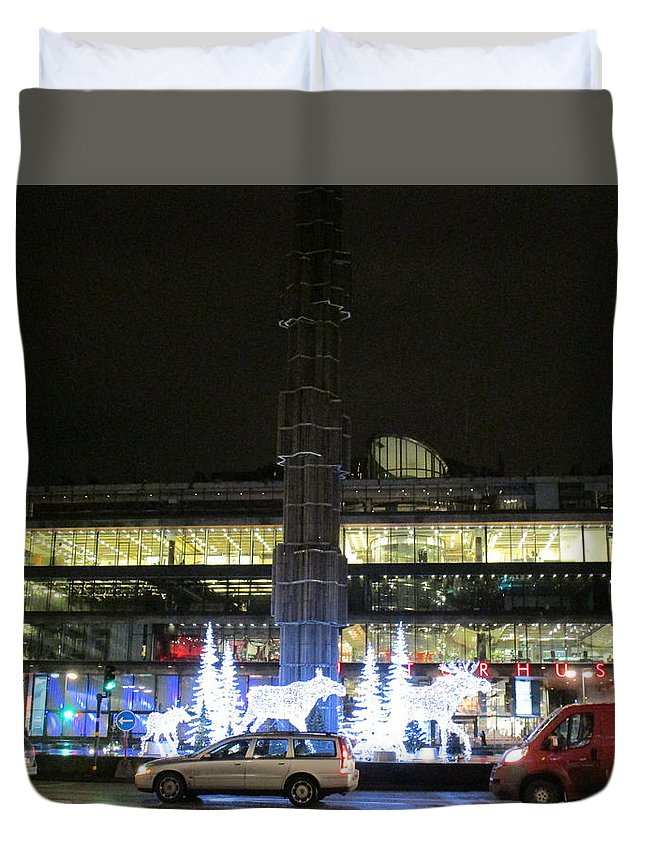 Stockholm Duvet Cover featuring the photograph City Lights 2 by Rosita Larsson