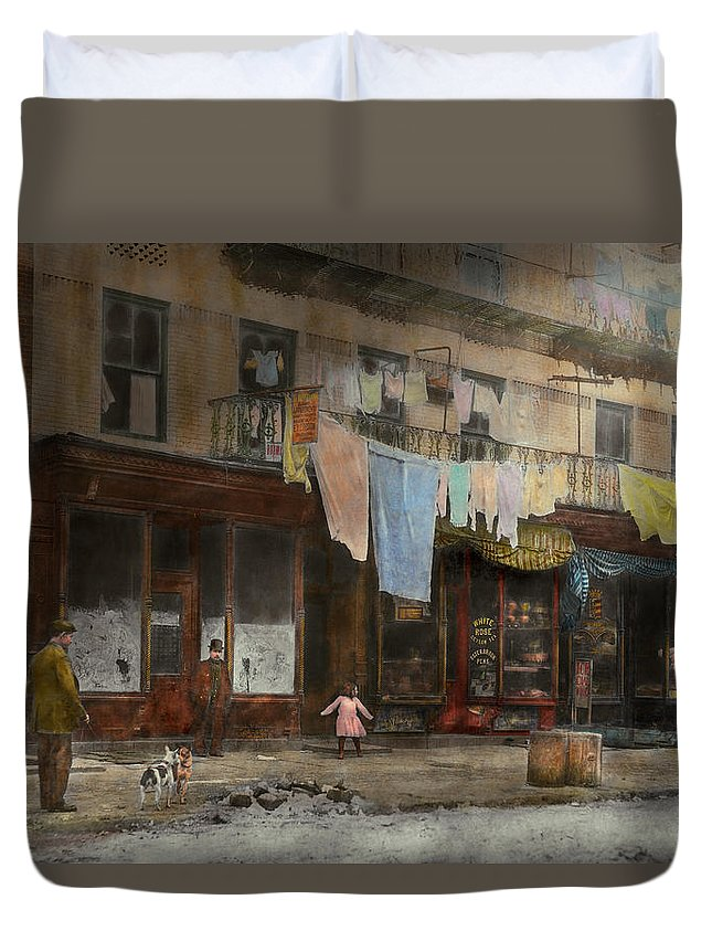 Self Duvet Cover featuring the photograph City - Ny - Elegant Apartments - 1912 by Mike Savad