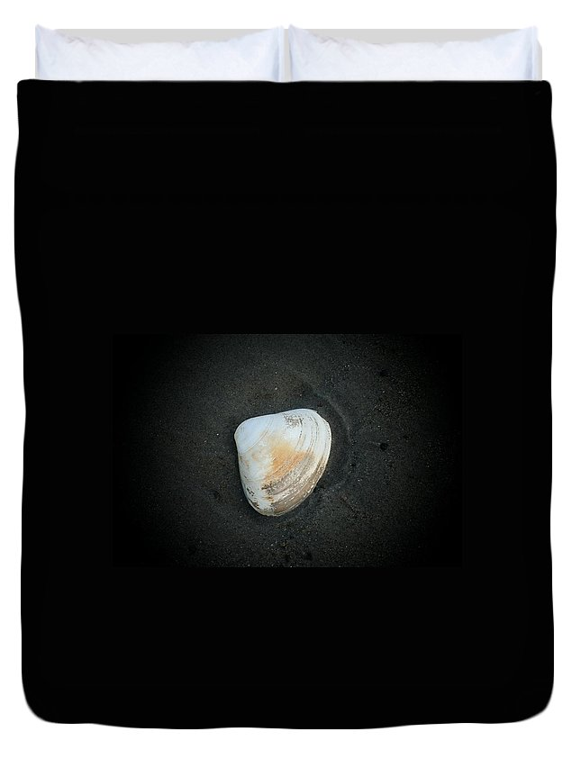 Photography Duvet Cover featuring the photograph Clam Up by Barbara S Nickerson