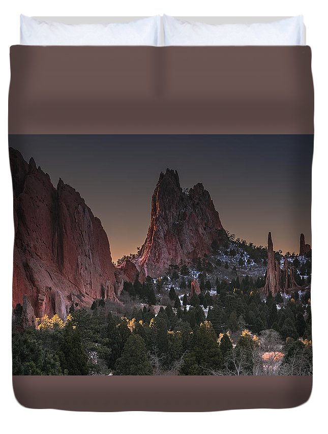 Garden Of The Gods Duvet Cover featuring the photograph Classic Garden Of The Gods by Luis A Ramirez