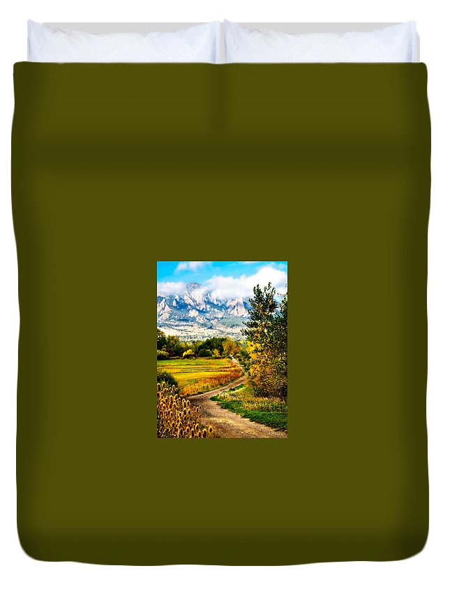 Americana Duvet Cover featuring the photograph Clearly Colorado by Marilyn Hunt