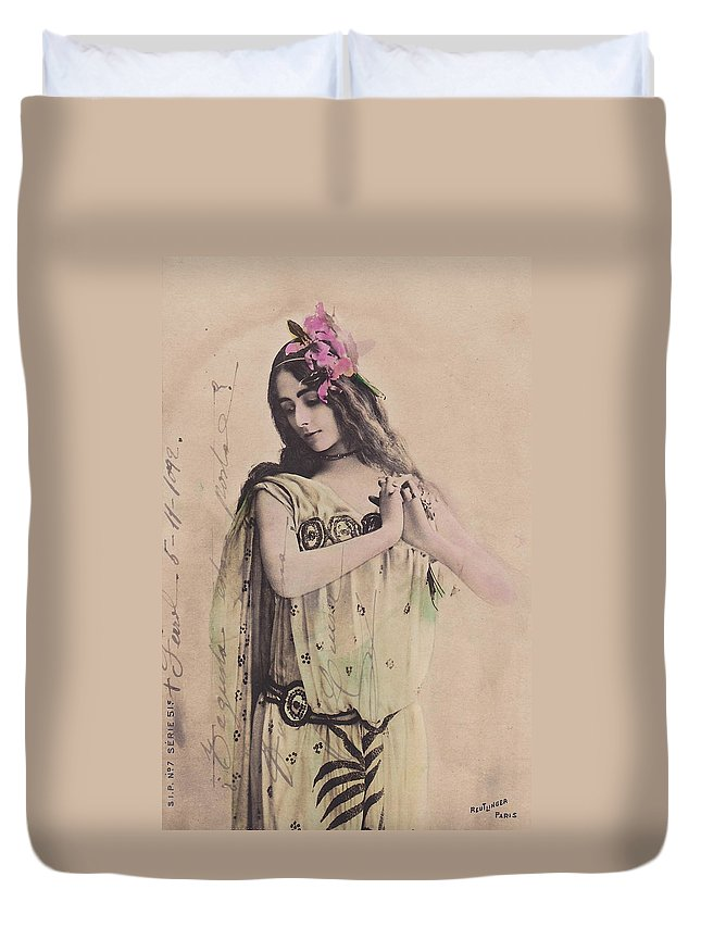 Cleo Duvet Cover featuring the photograph Cleo De Merode by Reutlingers