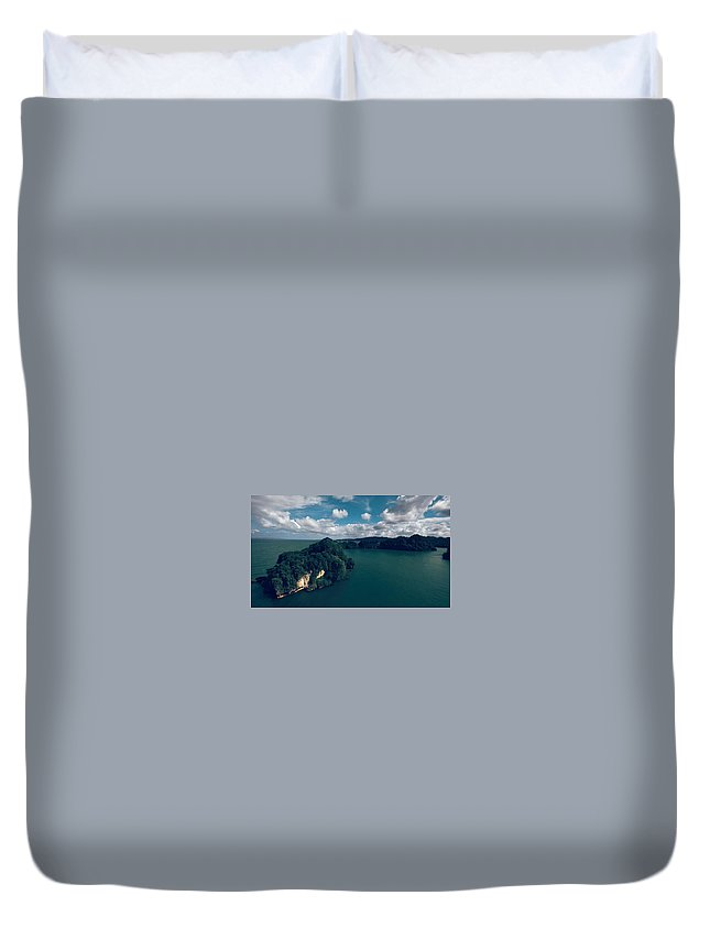 Cliff Duvet Cover featuring the digital art Cliff by Dorothy Binder