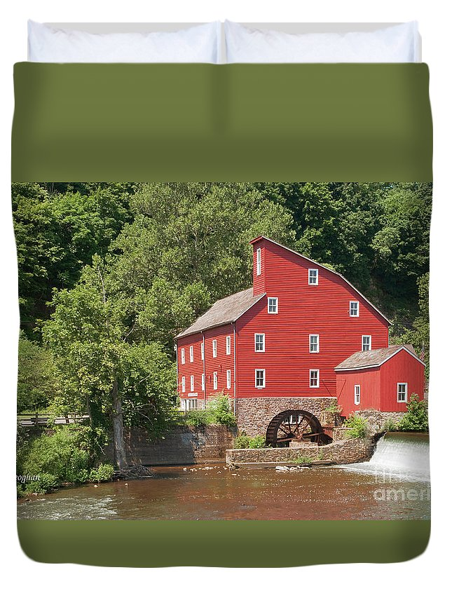 Clinton Mill Nj Duvet Cover featuring the photograph Clinton Mill I by Regina Geoghan