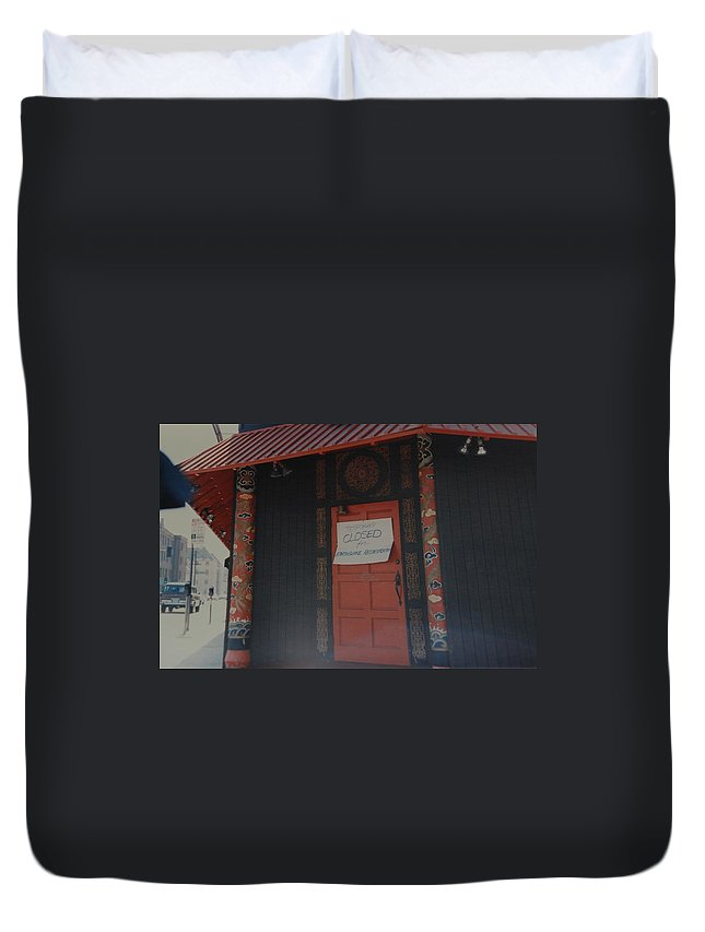Art Duvet Cover featuring the photograph Closed For Earthquake by Rob Hans