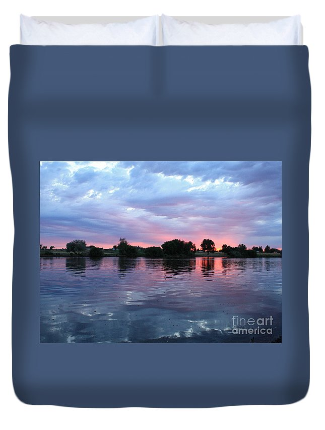 Sunset Duvet Cover featuring the photograph Clouds And Sunset Reflection In Prosser by Carol Groenen