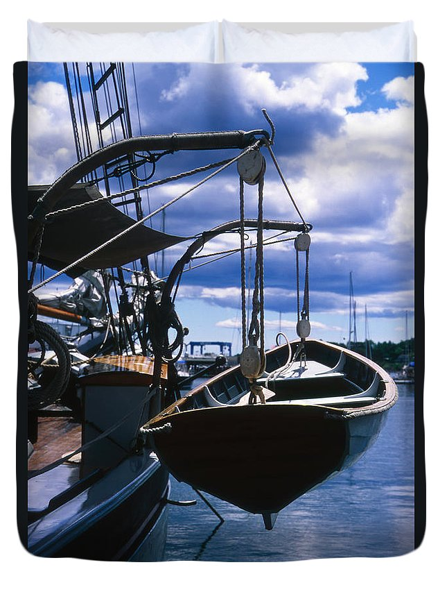 Landscape Camden Harbor Maine Sail Boat Harbor Nautical Duvet Cover featuring the photograph Cnrh0601 by Henry Butz