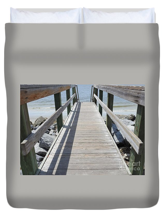 Wooden Duvet Cover featuring the photograph Coastal Walkway by Jan Gelders