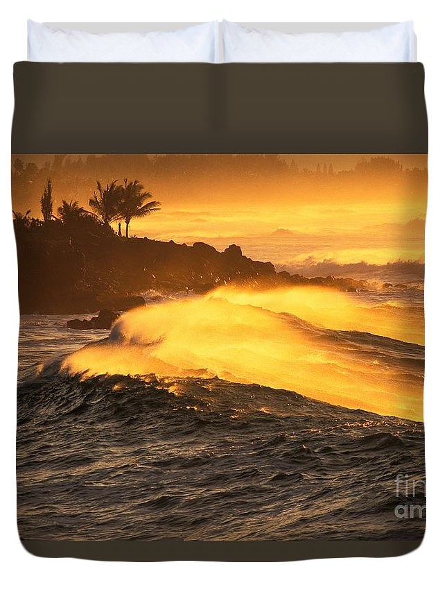 Afternoon Duvet Cover featuring the photograph Coastline Sunset by Vince Cavataio - Printscapes