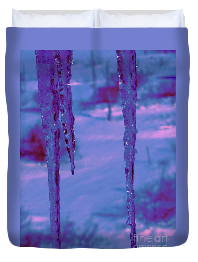 Water Duvet Cover featuring the photograph Cold Night Falling by Sybil Staples