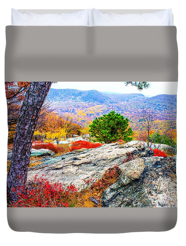 Bear Mountain Park Duvet Cover featuring the photograph Color View From A Ledge by William Rogers