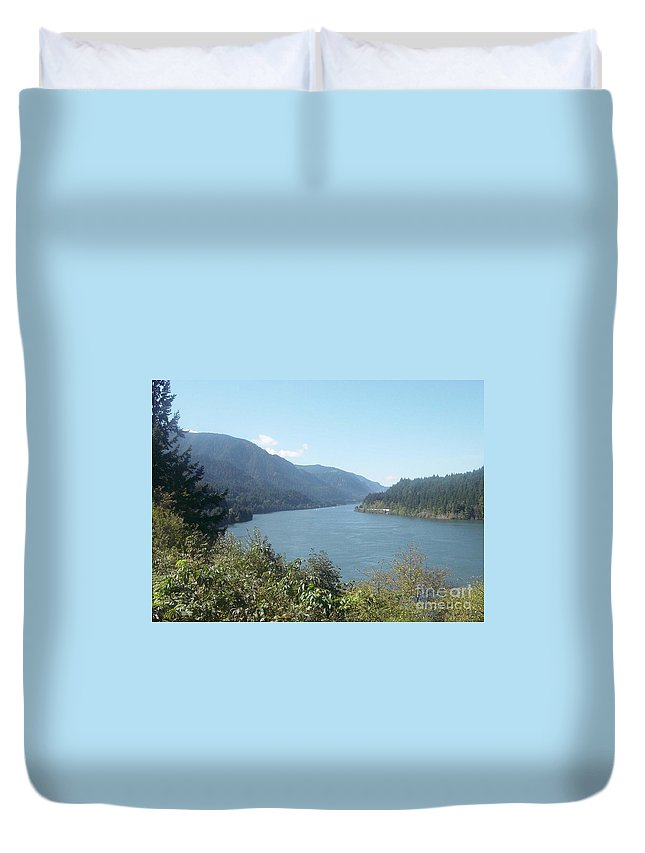 Columbia River Gorge Duvet Cover featuring the photograph Columbia River Gorge 2 by Gregory Armstrong