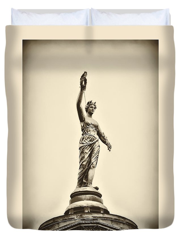 Philadelphia Duvet Cover featuring the photograph Columbia Statue Atop Memorial Hall by Bill Cannon