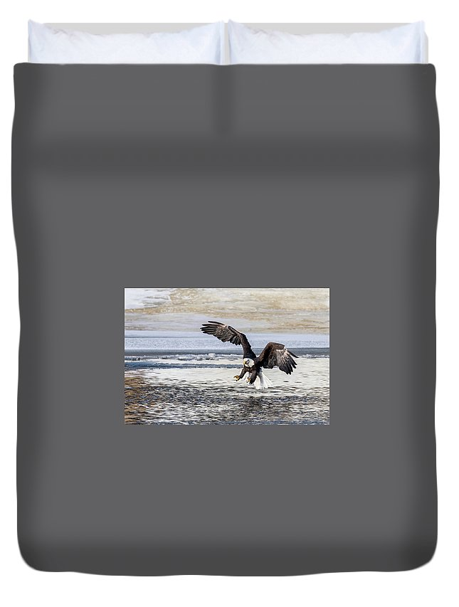 Bald Eagle Talons Landing Fishing Duvet Cover featuring the photograph Coming In For The Catch by David Heemsbergen