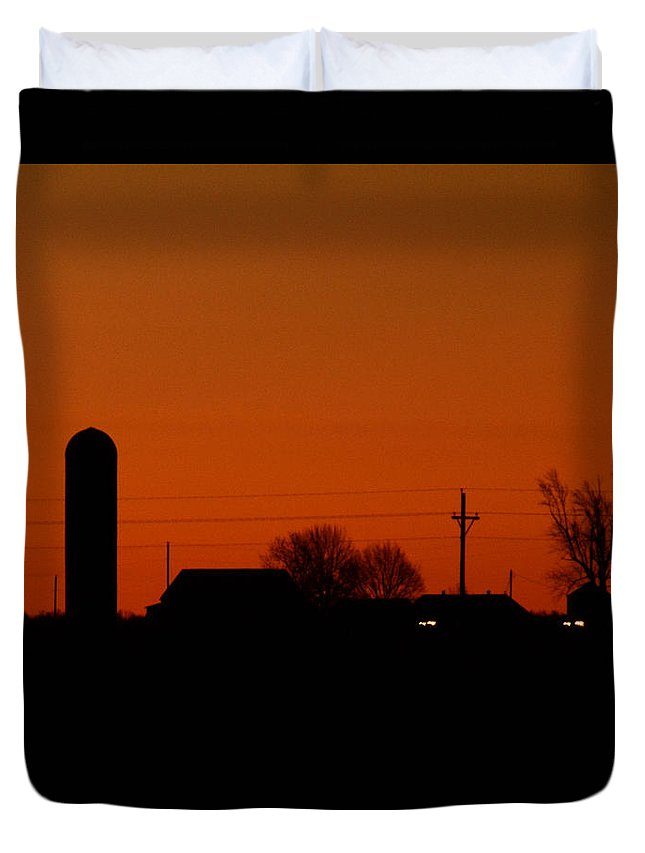 Sunrise Duvet Cover featuring the photograph Coming Sun by Pamela Peters