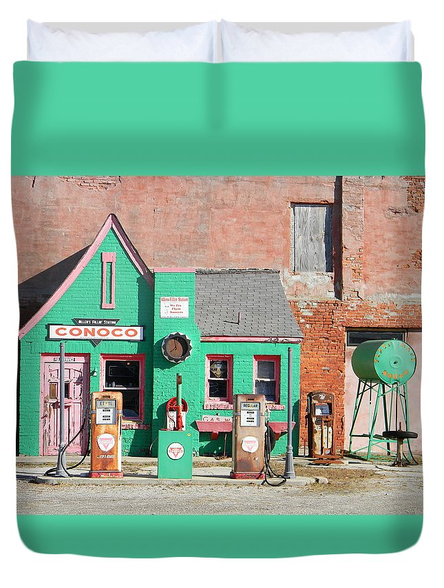 Route 66 Duvet Cover featuring the photograph Commerce Conoco by Heather Hollingsworth