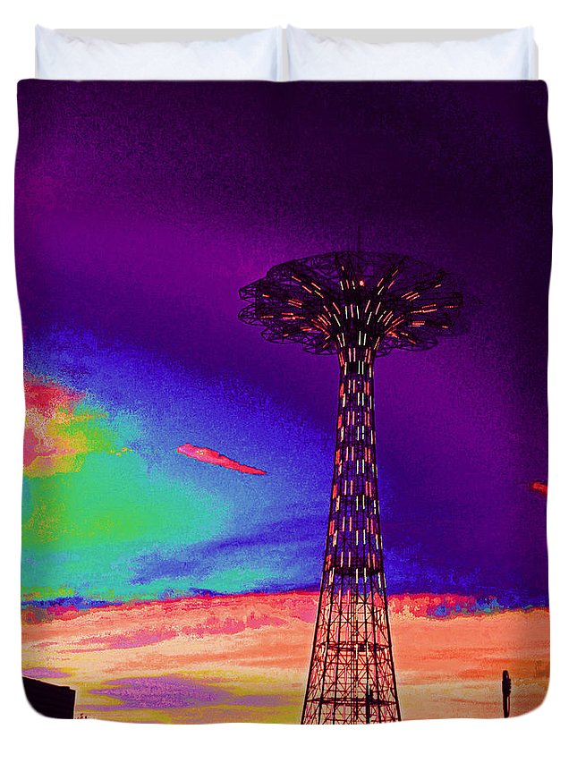 Coney Island Duvet Cover featuring the photograph Coney Islands Parachute Jump by Kendall Eutemey