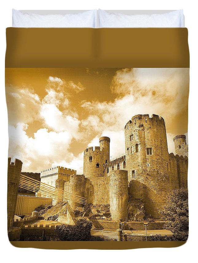 Castle Duvet Cover featuring the photograph Conwy Castle And The Telford Suspension Bridge North Wales by Mal Bray