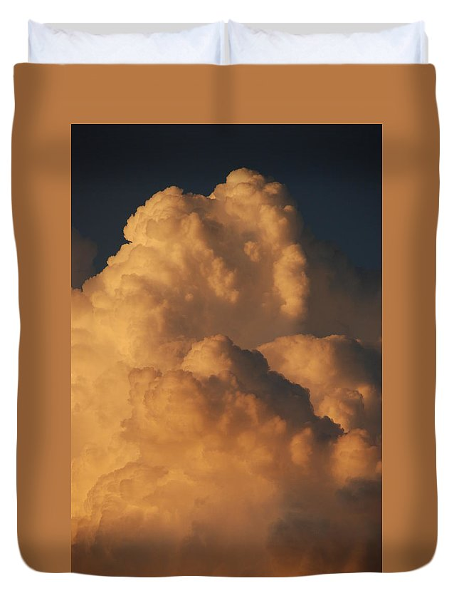 Clouds Duvet Cover featuring the photograph Coppermouth by Rob Hans
