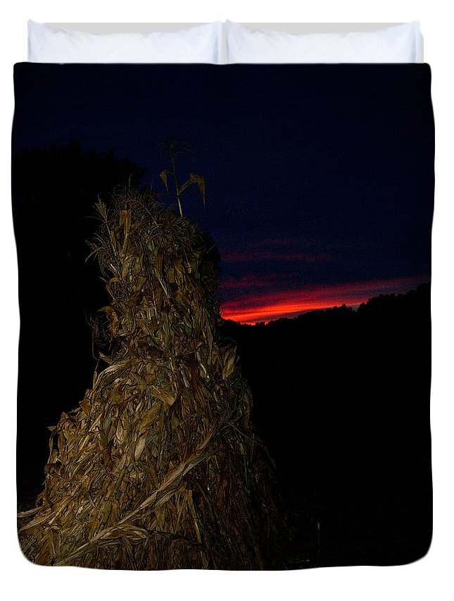 Kentucky Duvet Cover featuring the photograph Corn Shock At Setting Sun by Douglas Barnett