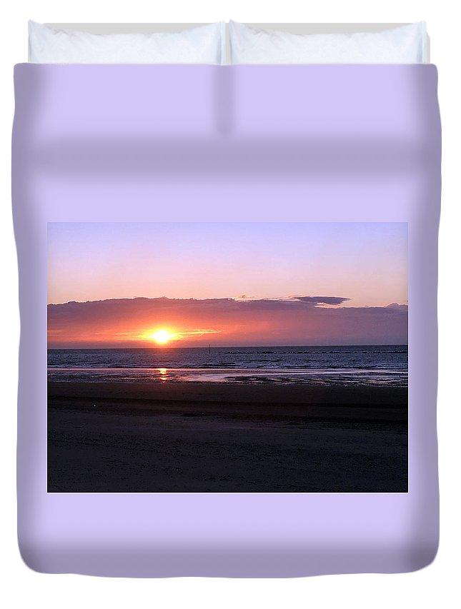 Coucher De Soleil Sur La Mer Du Nord Duvet Cover For Sale By