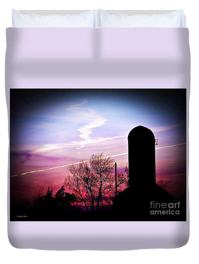 Kansas Duvet Cover featuring the photograph Country Hush by Concolleen's Visions Smith