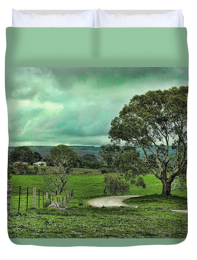 Dirt Road Duvet Cover featuring the photograph Country Road by Douglas Barnard