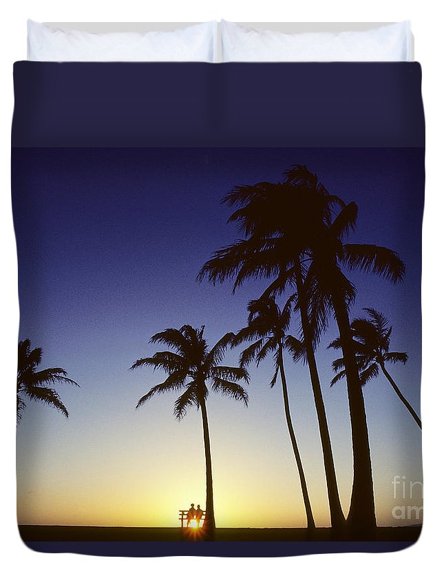 Beach Duvet Cover featuring the photograph Couple And Sunset Palms by Carl Shaneff - Printscapes