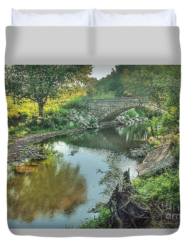 Stewart Bridge Duvet Cover featuring the photograph Stewart Bridge by Michael Ciskowski