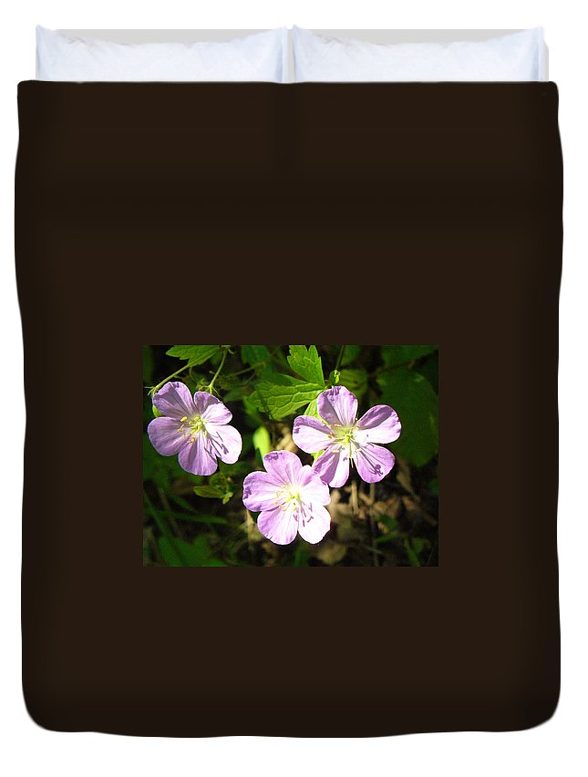 Wild Flowers Duvet Cover featuring the photograph Cranesbill by Peggy King