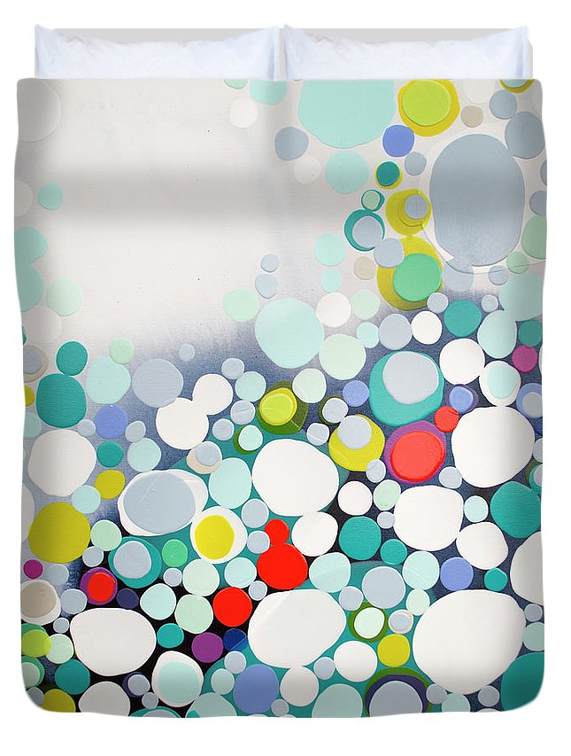 Abstract Duvet Cover featuring the painting Cross The Line by Claire Desjardins