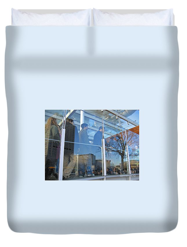London Duvet Cover featuring the photograph Crowd Queuing Up by Ann Horn