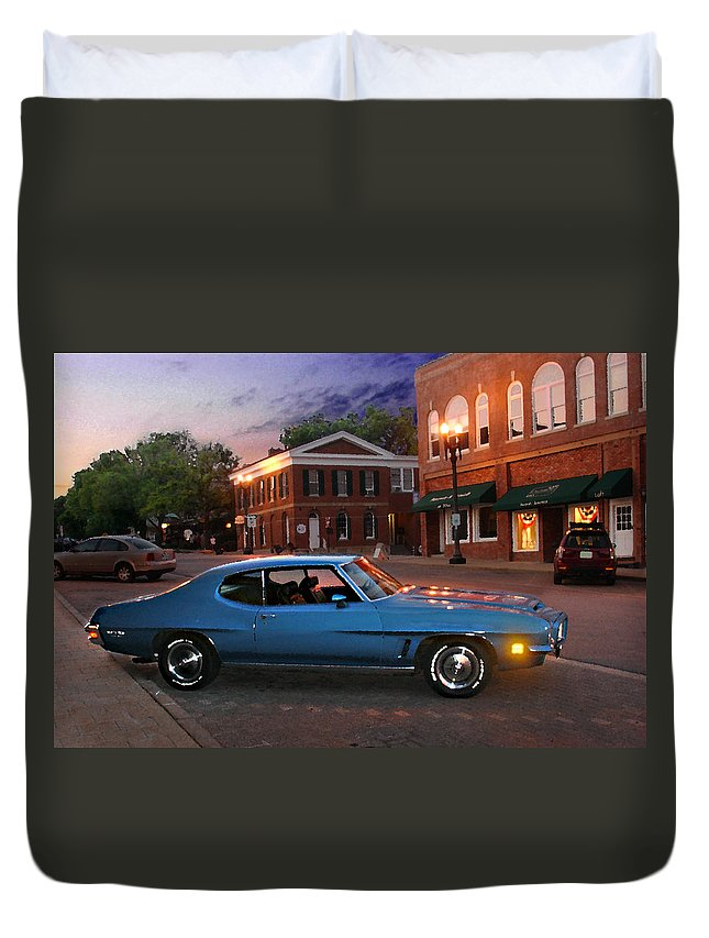 Landcape Duvet Cover featuring the photograph Cruise Night In Liberty by Steve Karol