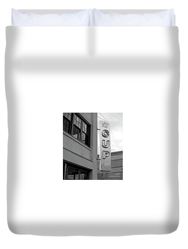 Jason Duvet Cover featuring the photograph Cup Diner by Jason Layden
