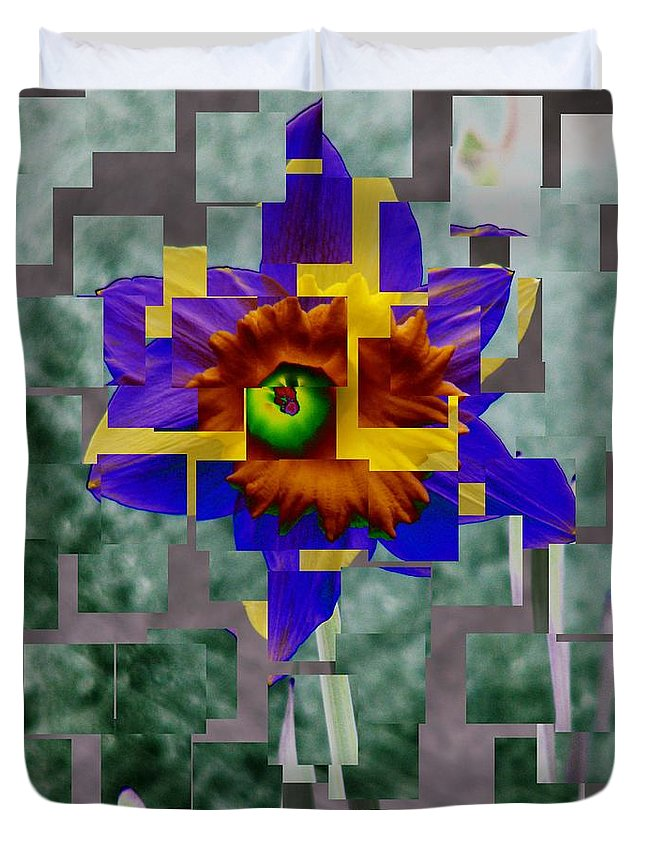 Daffodil Duvet Cover featuring the photograph Daffodil 3 by Tim Allen