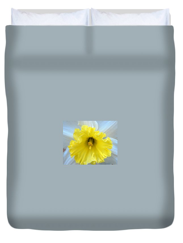 Daffodil Duvet Cover featuring the photograph Daffodil by Amy Fose