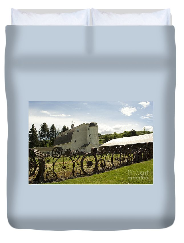 Historic Barn Duvet Cover featuring the photograph Dahmen Barn by Louise Magno
