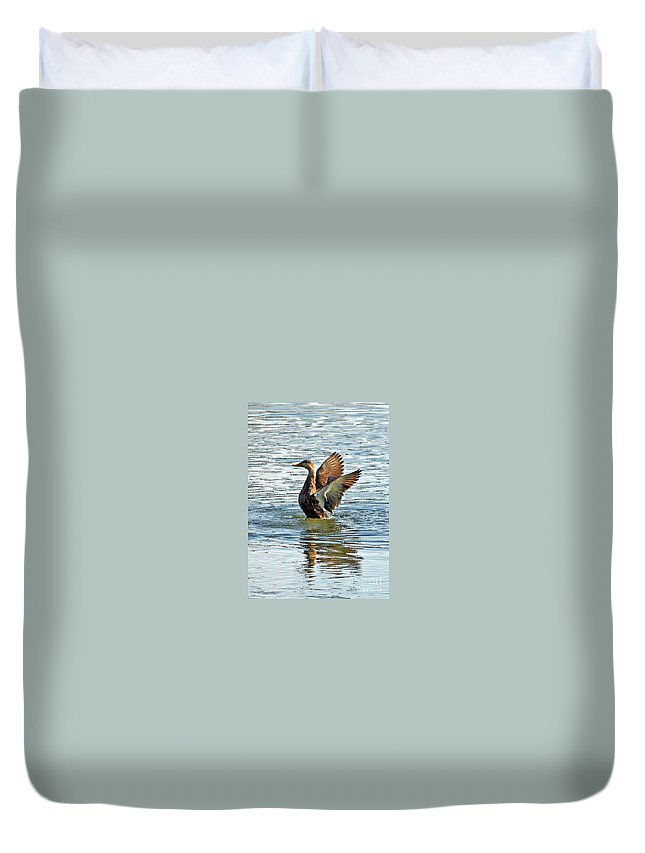 Mottled Teal Duvet Cover featuring the photograph Dancing Duck by Carol Groenen