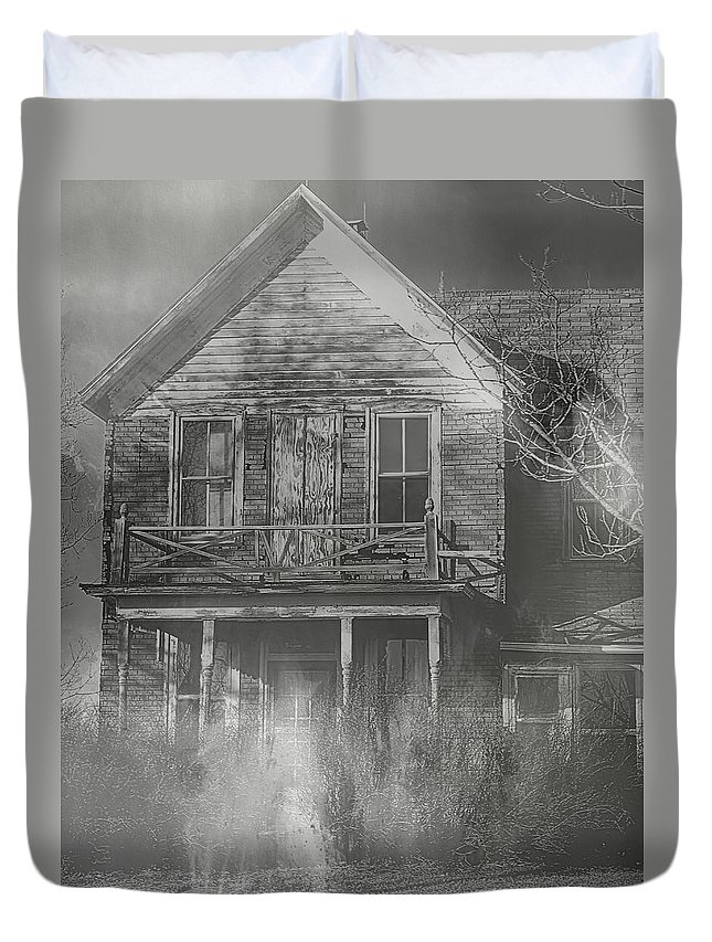 Haunted House Duvet Cover featuring the photograph Dancing Ghosts II by Theresa Campbell