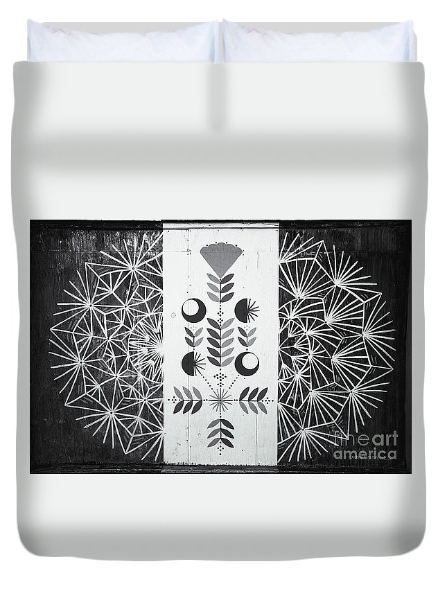 Asbury Park Duvet Cover featuring the photograph Dandelion Puff by Colleen Kammerer
