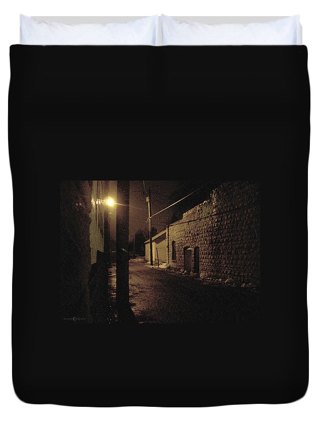 Alley Duvet Cover featuring the photograph Dark Alley by Tim Nyberg
