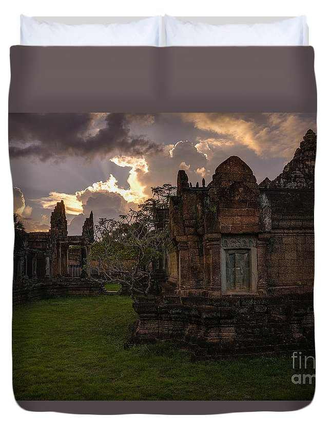 Sunrise Duvet Cover featuring the photograph Dark Cambodian Temple by Mike Reid