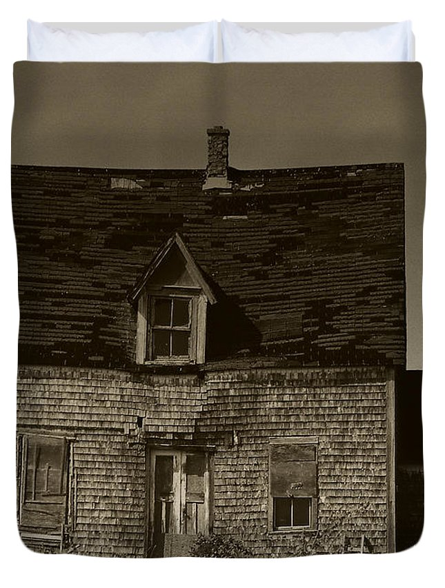 Old House Duvet Cover featuring the photograph Dark Day On Lonely Street by RC DeWinter