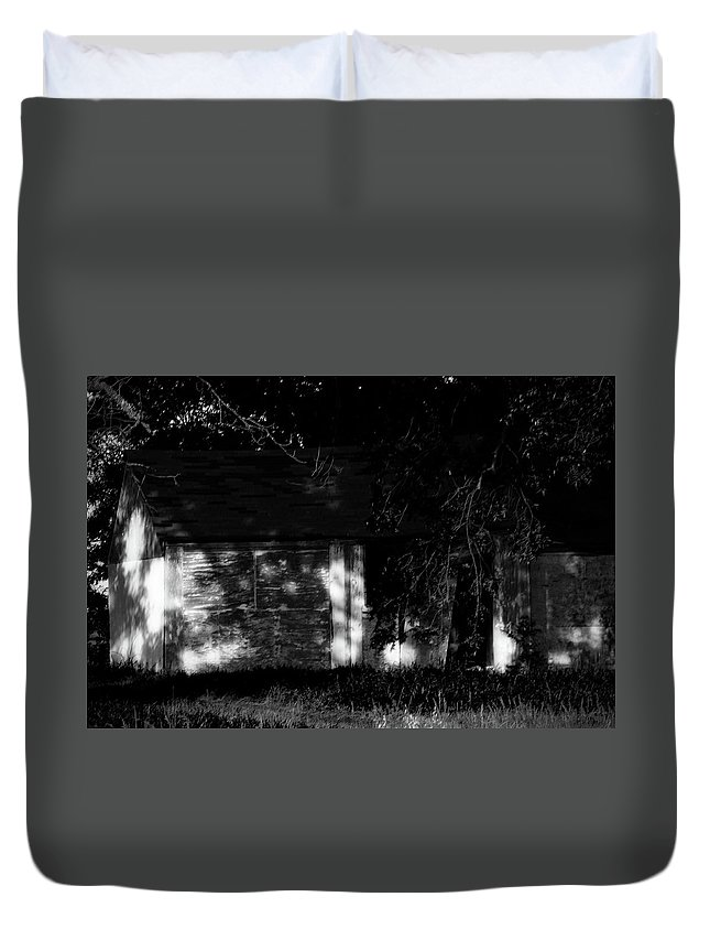 Dark Photos Duvet Cover featuring the photograph Dark House by Jennifer DeMoss