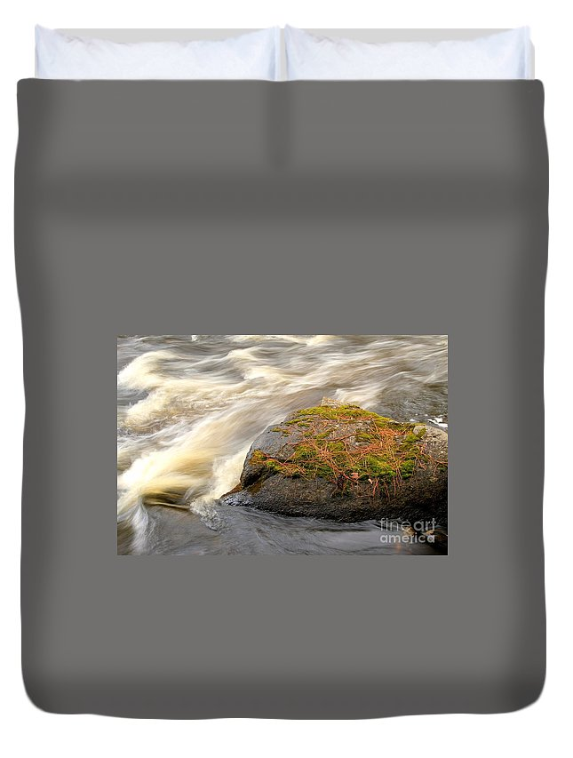 Waterfalls Duvet Cover featuring the photograph Dave's Falls #7442 by Mark J Seefeldt